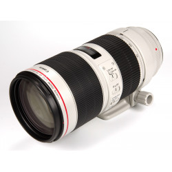 CANON EF 70-200mm f/2.8L IS...